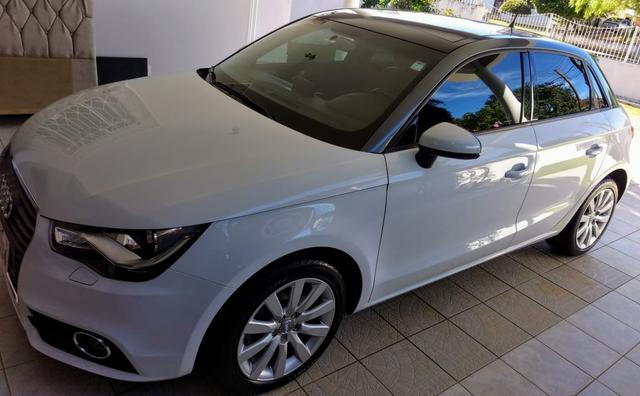 Baixou! Audi A1 Sportback 2014 impecável!