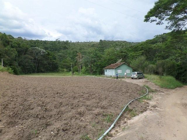 154 - Área de terra em Providência