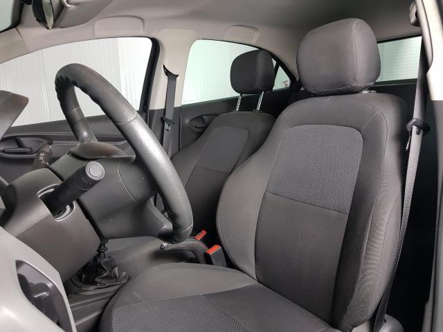 Chevrolet ONIX HATCH Joy 1.0 8V Flex 5p Mec. - Preto - 2017 - Foto 9