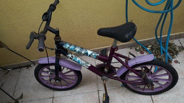 Bicicleta feminina seminova - Foto 3