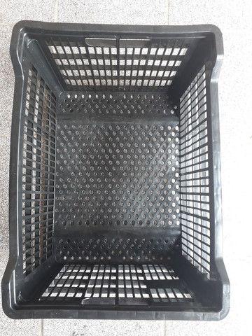 Caixas plásticas semi novas  - Foto 5