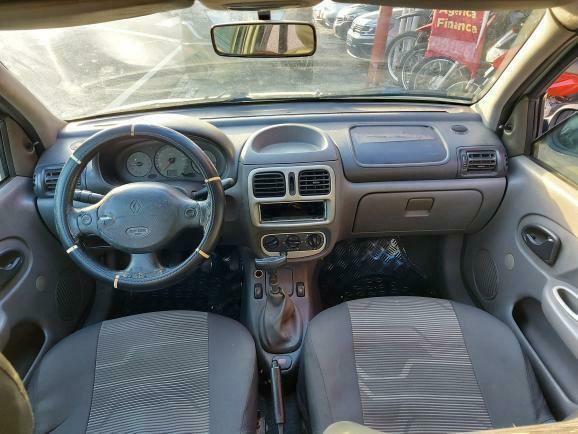 Renault Clio Hatch 2001 com ar  - Foto 11