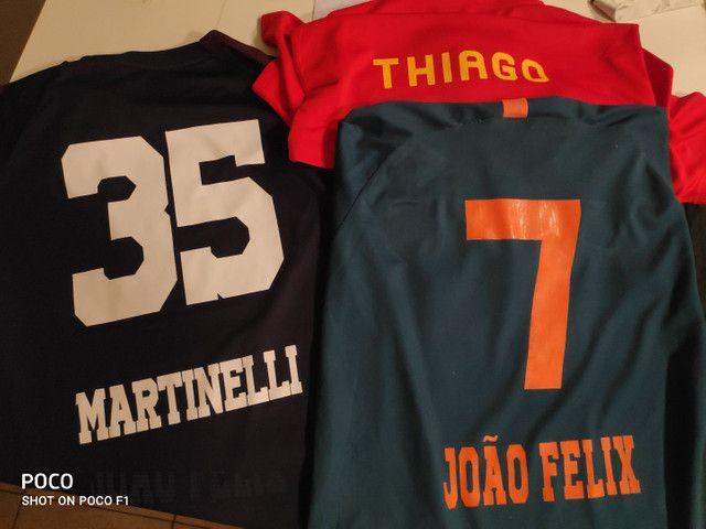 Nomes e números na camisa de time!