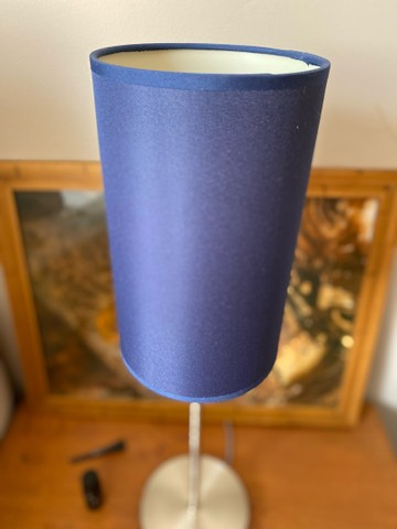 Abajur azul com base de metal - Foto 3