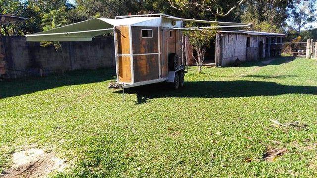 vende-se reboque alongado com banheiro - Foto 9