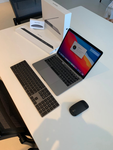 MacBook Pro 13 com TouchBar - 8GB - ssd 512GB - Foto 2