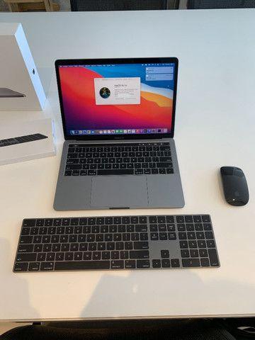 MacBook Pro 13 com TouchBar - 8GB - ssd 512GB - Foto 3