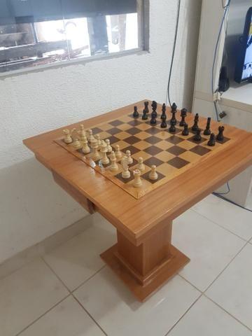 Mesa de xadrez de otima qualidade