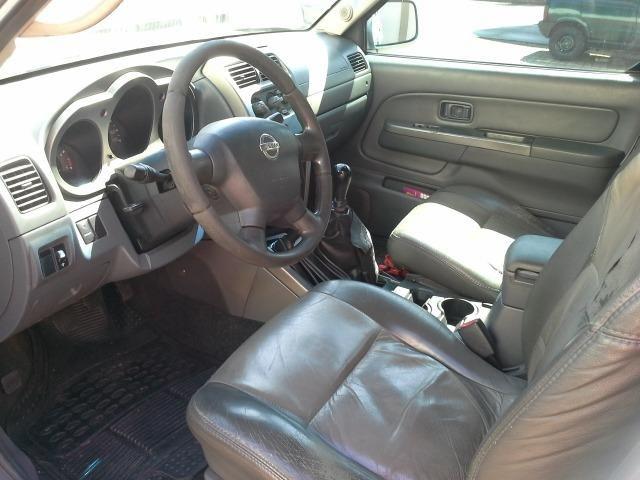 Nissan Frontier Turbo SE 4x4 Troco por menor valor - Leia o anuncio - Foto 3