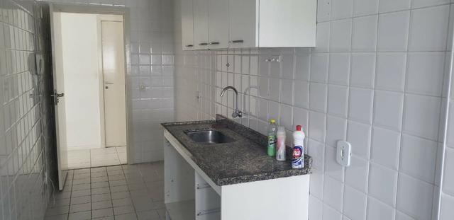 AP0368 Excelente Apartamento com 3Q sendo 1 Suíte no Condominio Barra Bali - Foto 12