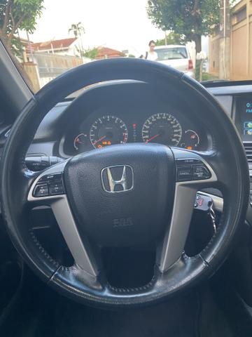 Honda Accord 3.5 V6 - Foto 14