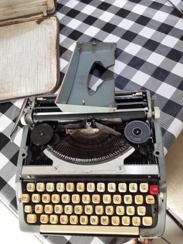 Máquina de escrever portátil ANTIGA - Foto 2