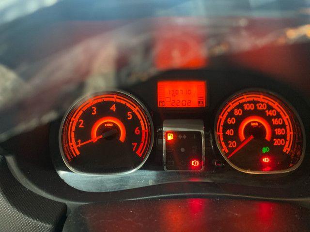 Sandero 1.6 automático 2013  - Foto 8