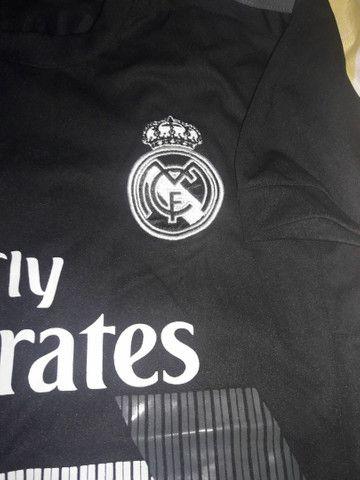 Duas camisas de time internacional Fly Emirates  - Foto 3