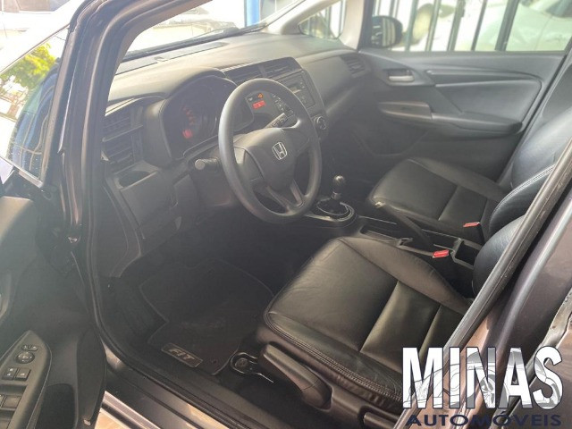 Honda Fit Lx 1.5 2015 manual - Foto 4