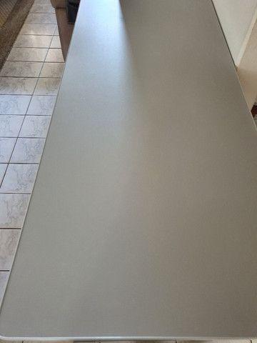 Mesa Para Escritório Com Borda ABS Com 3 Gavetas 140 x 60 cm - Foto 5