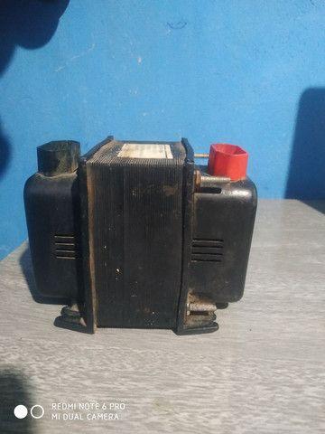Transformador 110 pra 220 ou 220-110 - Foto 2