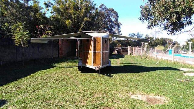 vende-se reboque alongado com banheiro - Foto 11