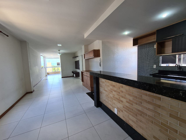 Amplo apartamento 3 qts st em Jardim Camburi