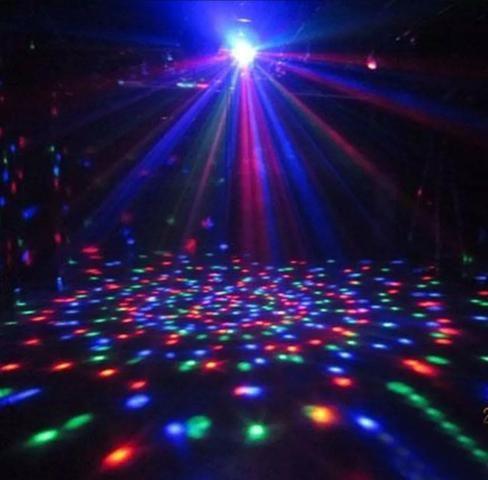 Alugo, DJ, som, Iluminação, maquina de fumaça e Pista, entre outros, para Festas e Eventos - Foto 3