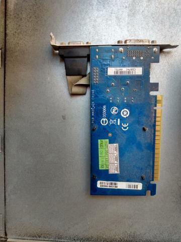 Placa de vídeo D33006 Gigabyte