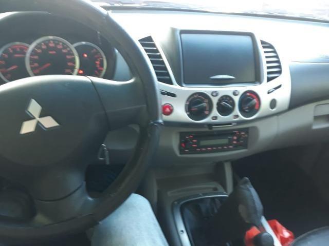 L 200, 4x4 preta, GLS à diesel, muito conservada, pneus em ótimo estado - Foto 8