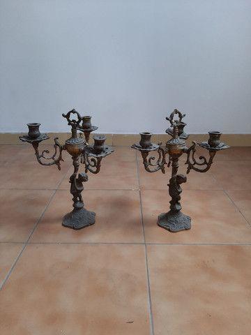 Candelabro / castiçal em bronze antigo