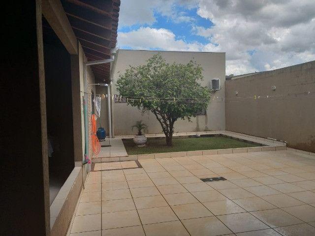 Linda Casa Próxima Shopping Norte Sul Plaza com 4 Quartos - Foto 17