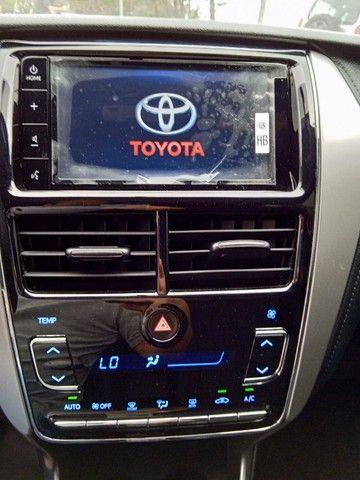 Toyota Yaris 2021 com 17.000km muito novo!