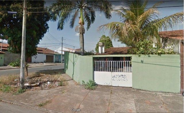 Aparecida de Goiânia, casa 2 quartos, esquina, escriturada, ac carro, ótima localização