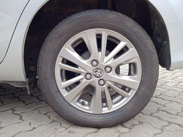 Toyota Yaris 2021 com 17.000km muito novo! - Foto 13