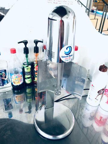 Batedor de milk shakes.