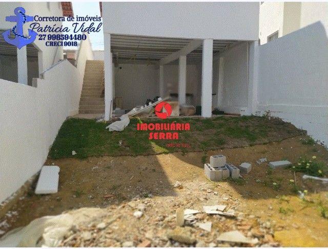 PRV Vendo casa 2qts, quintal gigante, are subsolo, vaga pra dois carros - Foto 6