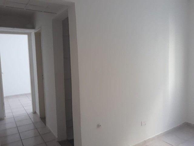 ap quarto, sala, wc e cozinha excelente localização - Foto 14