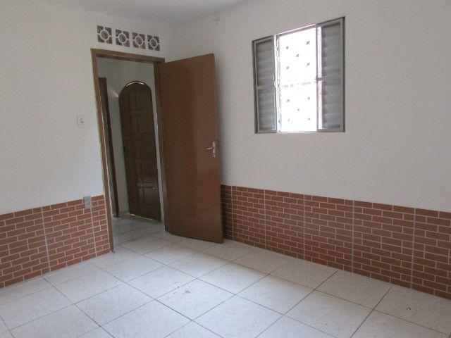 PrOpRieTáRiO aluga casa C/ Garagem + 1 Quarto + Sala + Etc, em Itaquera, Parque do Carmo - Foto 3