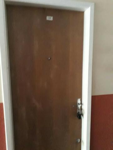 Vendo ou alugo kit , 1 quarto, 2º andar, garagem,