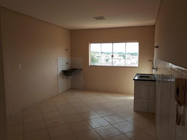 Rua 10 casa com 5 quartos condomínio top troca 9  * - Foto 2