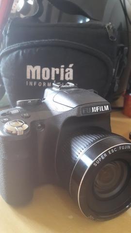 Máquina fotográfica semi profissional 250,00