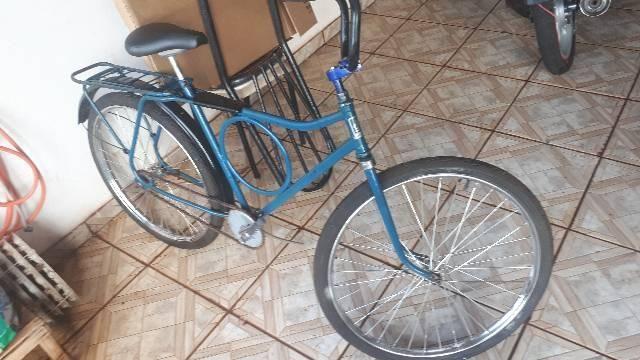 Vendo essa  bicicleta  .