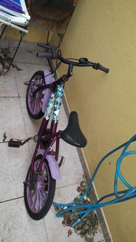 Bicicleta feminina seminova - Foto 2