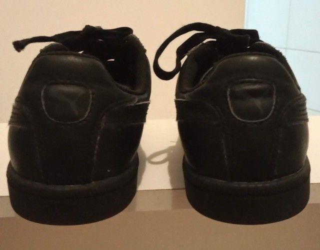 Tênis Puma preto em couro tamanho 36  - Foto 2