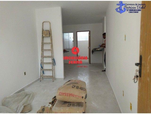 PRV Vendo casa 2qts, quintal gigante, are subsolo, vaga pra dois carros - Foto 12