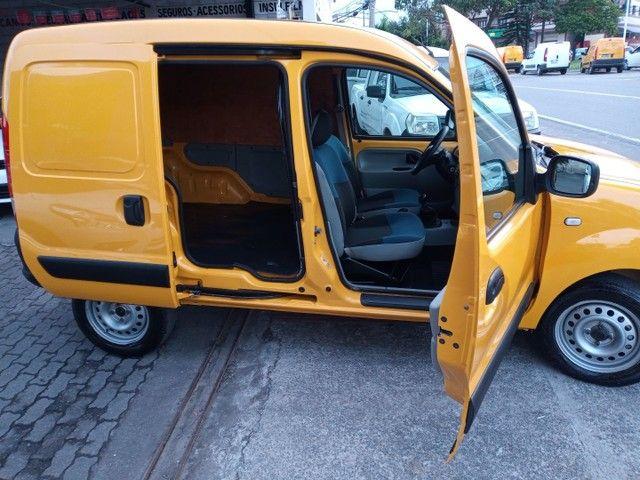 Kangoo 1.6 Furgão/Baú m2013 Completo Porta Lateral Impecável Financio! Melhor q Fiorino - Foto 5