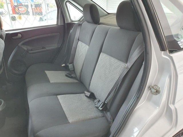 Fiesta Sedan 1.6 2014 - 68.000KM - Foto 9