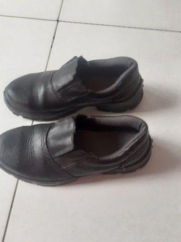 Sapato bico de ferro