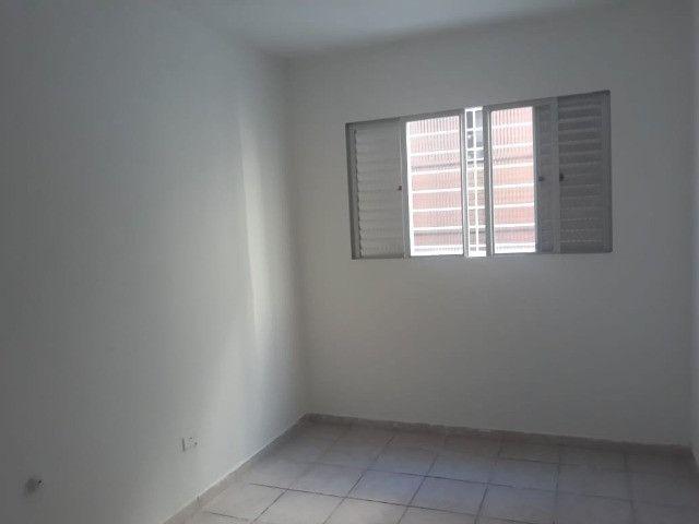 ap quarto, sala, wc e cozinha excelente localização - Foto 15