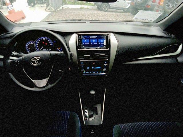 Toyota Yaris 2021 com 17.000km muito novo! - Foto 11