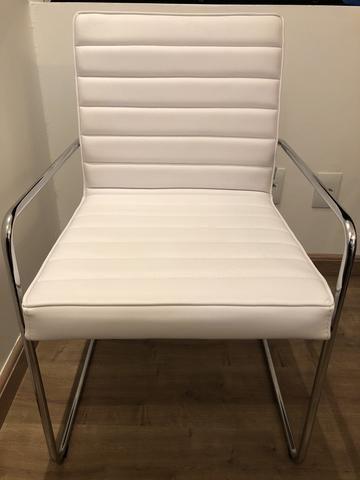 Torro - Cadeira cromada em courino Branco - Tok & Stok