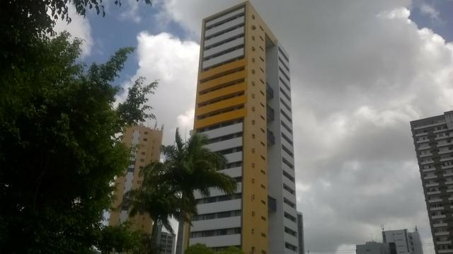 Flat mobiliado com 1 quarto em Casa Forte, defronte ao Shopping Plaza, Recife/PE