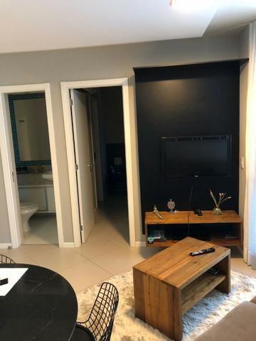 Apartamento Tancredo Neves Mundo Plaza 2 suítes finamente decorado 2 vagas Nascente - Foto 12